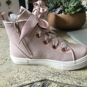 Dolce Vita girls leather high tops in soft pink.